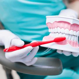 Gengive infiammate: come prevenirle con l'igiene dentale