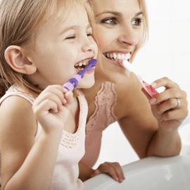 Come usare correttamente lo spazzolino da denti